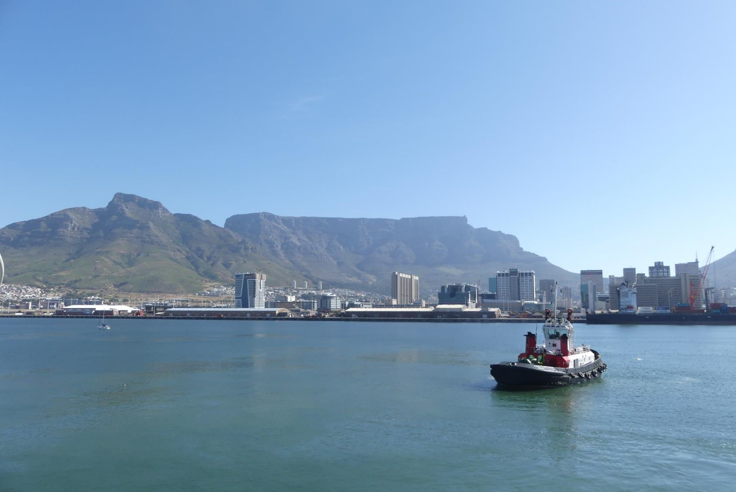 Leaving Cape Town with Table Mountain in the background.