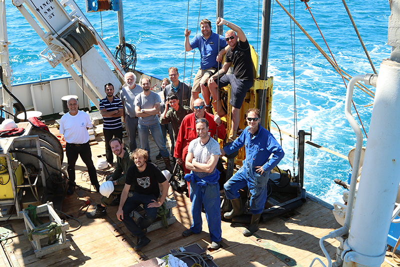 Scientists of NIOZ, TNO, Deltares, Utrecht University and VU University Amsterdam during Expedition 64PE-439. Photo: Helge Niemann