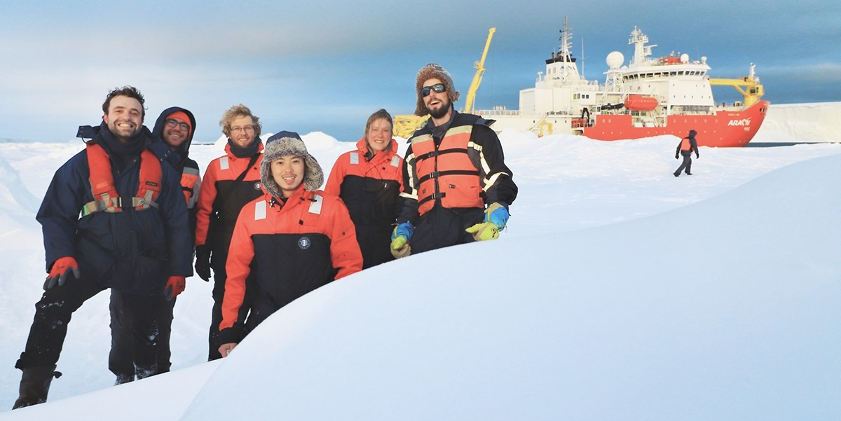 The NIOZ FePhyrus-expedition crew: Mathijs van Manen, Scott McCain, Rob Middag, Stanley Tian, Charlotte Eich and Sven Pont.