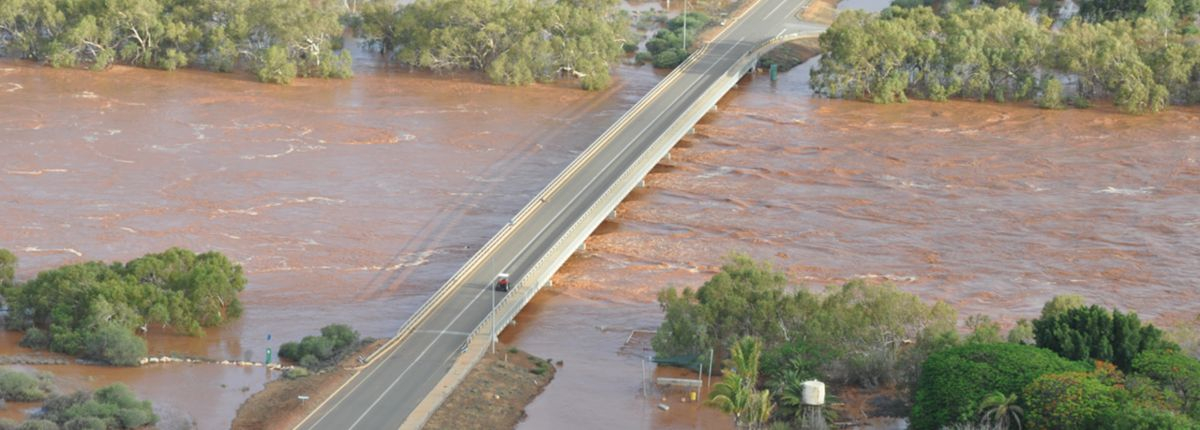 9-Mile Bridge over FULL Gascoyne River (from: www.gdc.wa.gov.au)