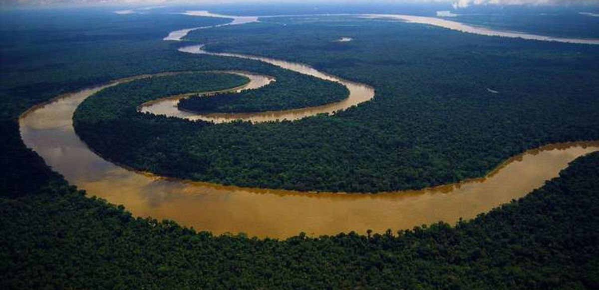 The Amazon River, the largest river in the world (from alchetron.com)