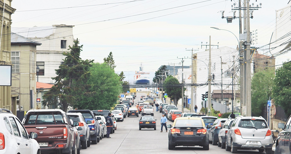 A view at Polarstern from the streets of Punta Arenas (Chile). Photo: Rob Middag.