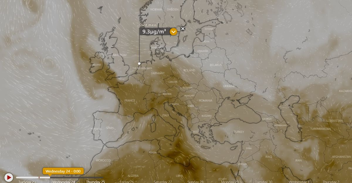 Windy.com projection of dust particles for 23 April, midnight