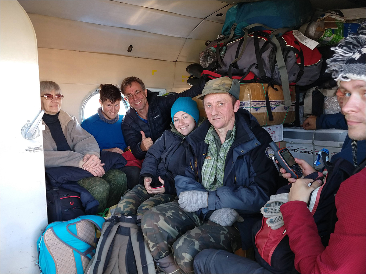 6 June 2019 A fully stuffed helicopter ready to take off from Khatanga (with 6 out of 8 expedition members on the picture: Anastasia Popovkina, Thomas Lameris, Jan van Gils, Maria Sukhova, Viktor Golovnyuk, and Misha Zhemchuzhnikov).
