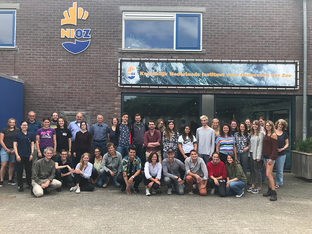 Students and supervisors of the 2018 edition of the NIOZ Marine Masters Summer Course. Photo: NIOZ.