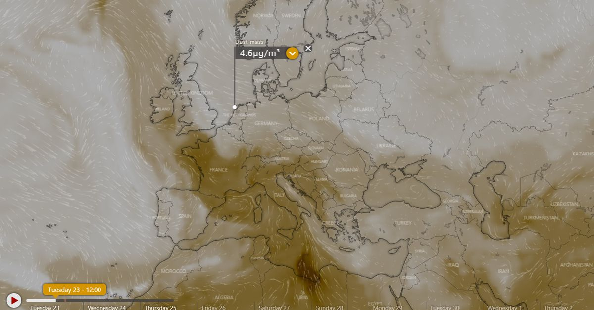 Windy.com projection of dust particles blowing towards Europe
